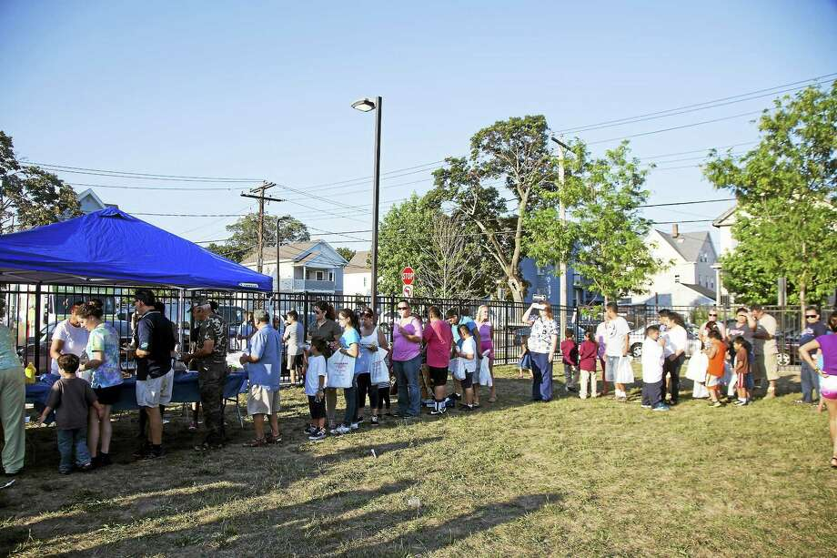 Fair Haven residents came out by the hundreds for the 6th annual Fair Haven Picnic on Thursday. Photo: (Rich Scinto — New Haven Register)