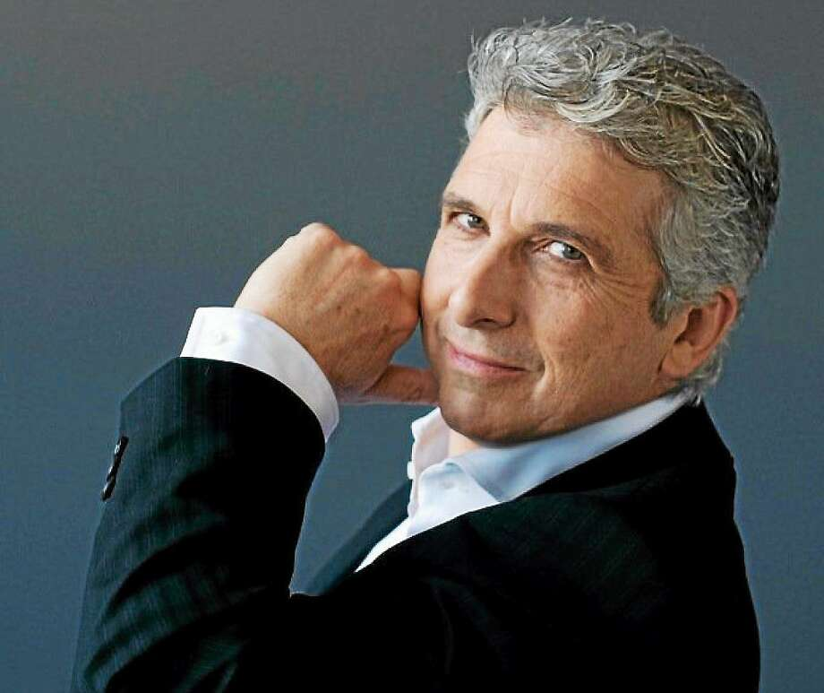 Guest conductor Peter Oundjian. Photo: Sian Richards    / PhotoDesk Email
