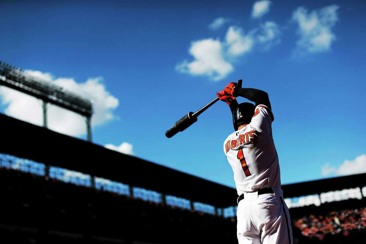 Former Baltimore Orioles second baseman Brian Roberts finalized his $2 million, 1-year deal with the New York Yankees on Tuesday.