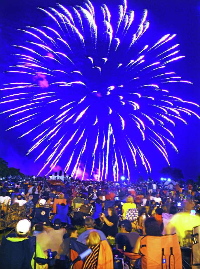 With 41 fireworks shows statewide, West Haven had some competition, and it showed in reduction of crowd size. But the fireworks and great weather still entertained those in attendance. Photo: (Mara Lavitt — New Haven Register)    / Mara Lavitt