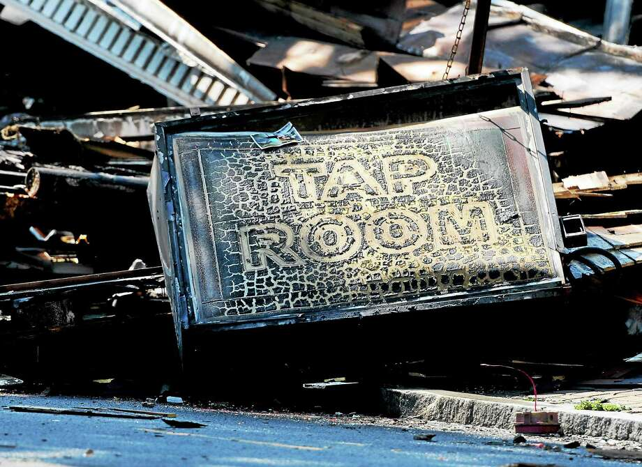 Delaney's Tap Room fire aftermath, Whalley Ave. Westville Tuesday, August 26, 2014. Photo: (Peter Hvizdak - New Haven Register)   / ©2014 Peter Hvizdak