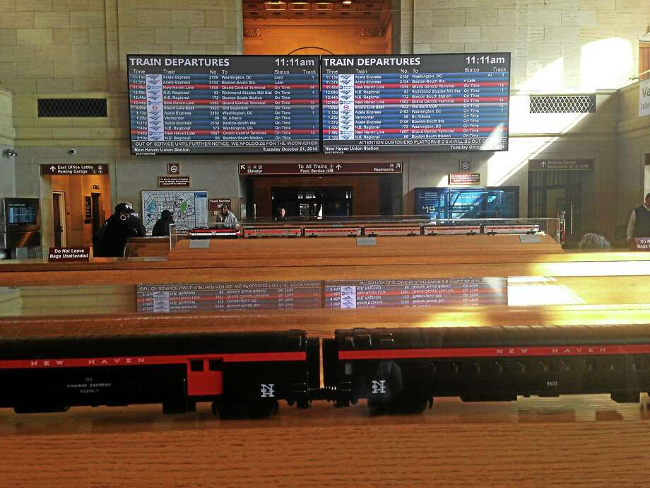 The new schedule boards recently installed at Union Station in New Haven. Photo: Ed Stannard — New Haven Register