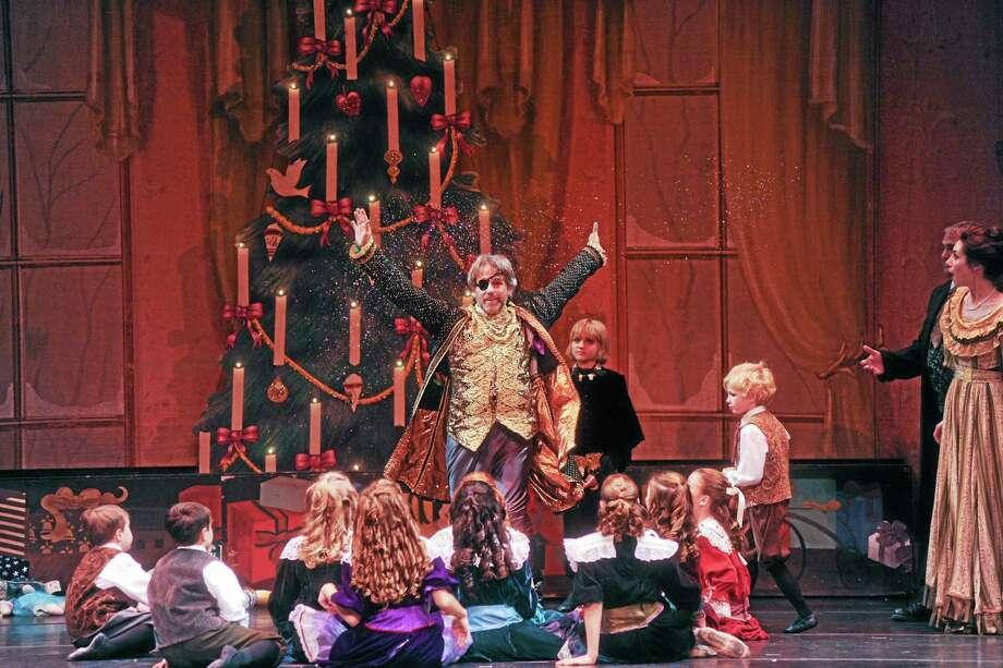 Photo: Thomas Giroir   Drosselmeyer Dazzles The Children With Magic At The Von Stahlbaum's Party During / ©2011 Thomas Giroir Photography