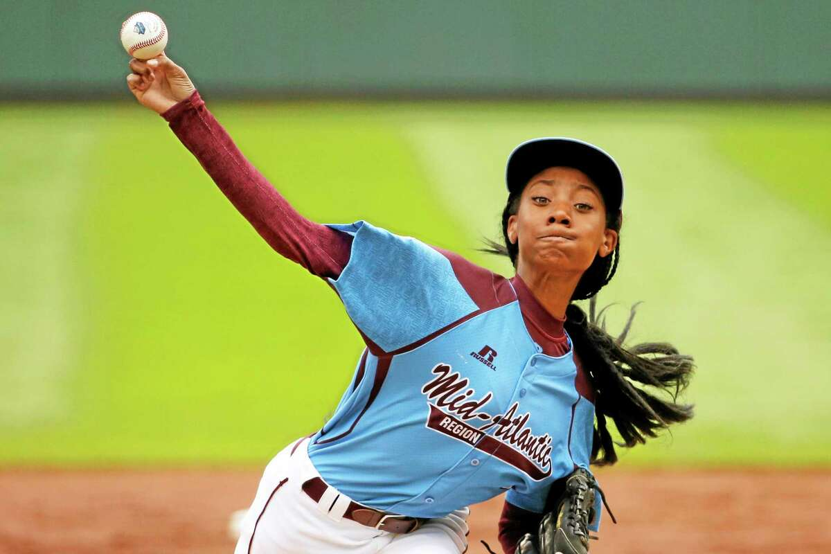 Pennsylvania's Mo'ne Davis delivers in the first inning against Tennessee during a Little League World Series game in United States pool play Friday in South Williamsport, Pa.