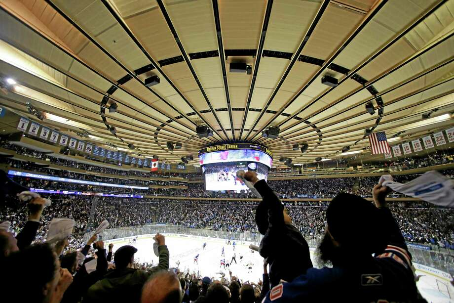 New York Rangers fans cheer during a 4-1 win over the Flyers. Photo: Frank Franklin II  — The Associated Press   / AP
