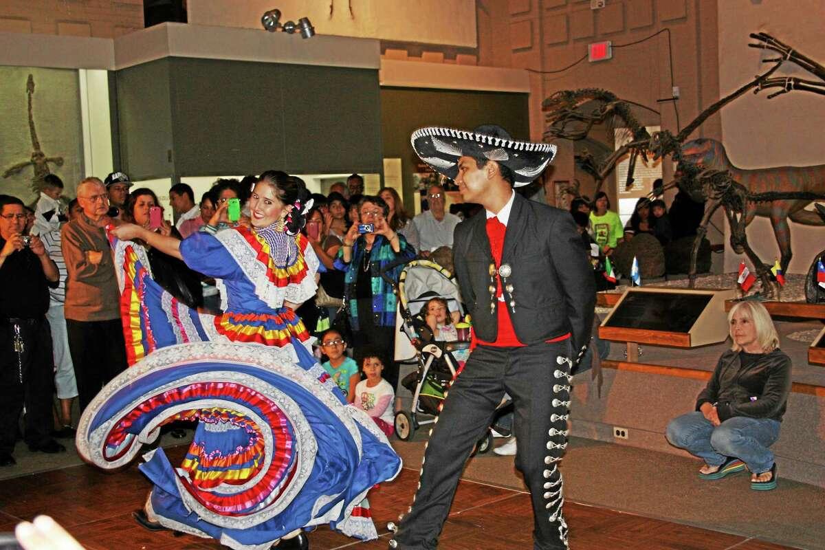 Ballet Folklorico Mexicano de Yale at Peabody.