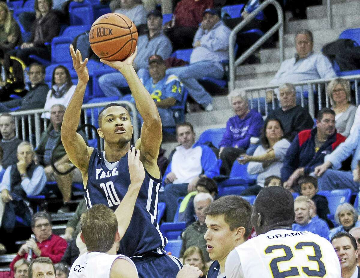 Yale senior guard Javier Duren and the Bulldogs will take on UConn Friday night in Storrs.