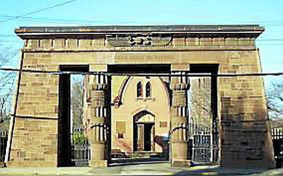 Wikipedia photo  The Grove Street Cemetery gateway. Photo: Journal Register Co.