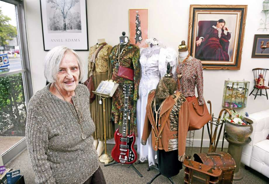 Bernice Kasowitz, 83, in her new store, Kasowitz Antiques, at 2330 Whitney Ave. in Hamden. Photo: Arnold Gold — New Haven Register