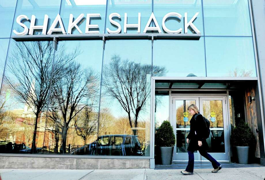 Shake Shack is open for business on Chapel Street in New Haven Sunday. Photo: (Arnold Gold-New Haven Register)