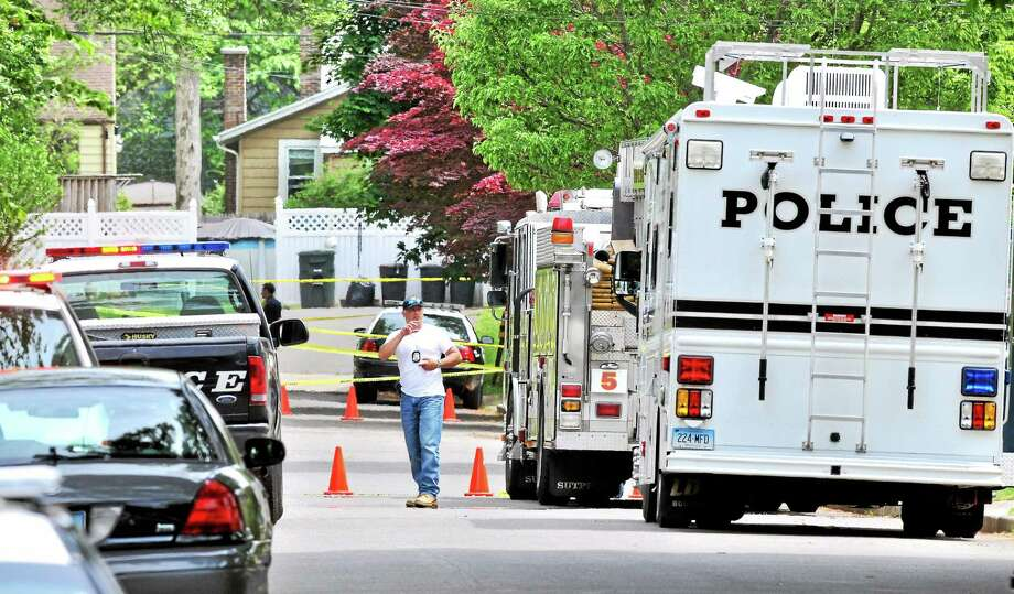 Milford Police investigate shootings on Hollywood Avenue and Midway Avenue in Milford Wednesday. Photo: Arnold Gold — New Haven Register