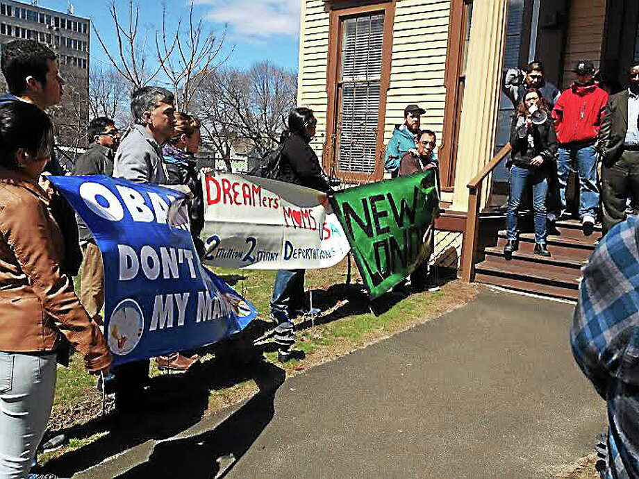Immigration rally at Junta for Progressive Action in New Haven, one of over 70 cities nationwide partaking in the National Day for Action (Charlotte Adinolfi-New Haven Register). Photo: Journal Register Co.