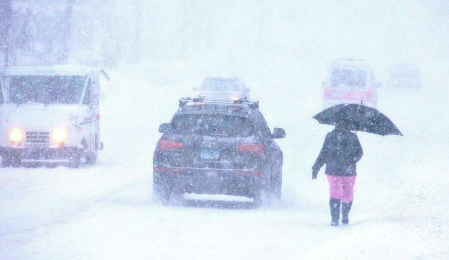 White-out conditions along Whalley Avenue in New Haven jn the late morning. pcasolino@NewHavenRegister Photo: (Peter Casolino - New Haven Register)