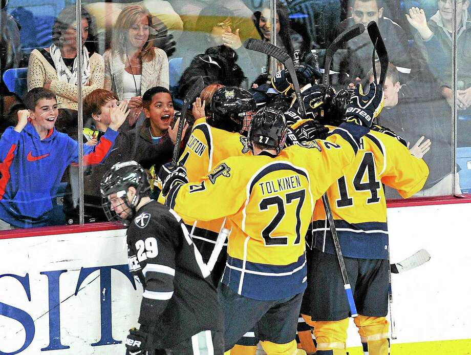 No. 3 Quinnipiac will face No. 14 Clarkson and St. Lawrence this weekend. Photo: Peter Casolino — Register