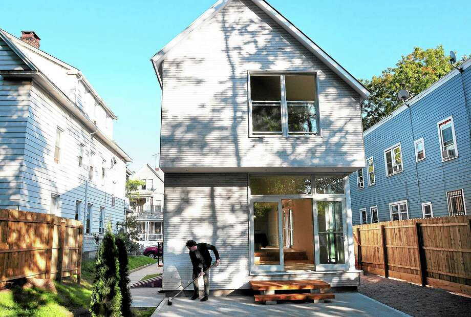 (Arnold Gold — New Haven Register)  A back view of the Yale Build project at 116 Greenwood St. in New Haven on 9/30/2013. Photo: Journal Register Co.