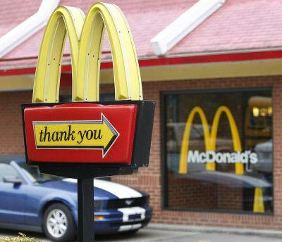 McDonald's Corp., struggling to project a healthier image amid complaints about its high-calorie food, is having a hard time persuading customers to buy salads. Photo: ASSOCIATED PRESS / AP2009