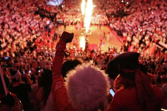 Houston Rockets fans cheer during the player introduction of the NBA Western Conference semifinals Game 4 between Houston Rockets and San Antonio Spurs Sunday, May 7, 2017, in Houston. ( Yi-Chin Lee / Houston Chronicle )