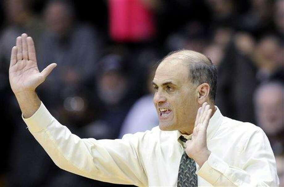 Villanova coach Harry Perretta. (AP Photo/Michael Perez) Photo: ASSOCIATED PRESS / AP2010