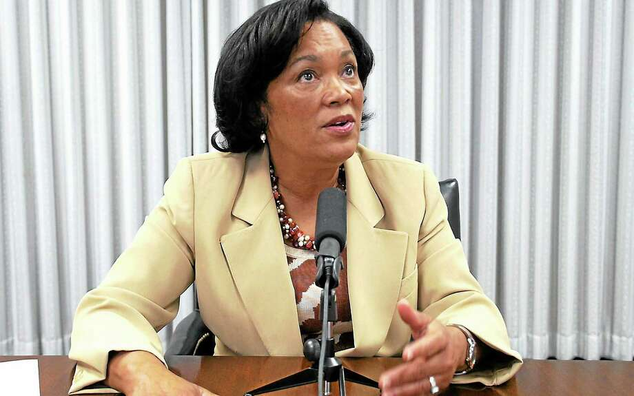 New Haven Mayor-elect and state Sen. Toni Harp addresses the New Haven Register editorial board. Photo: VM Williams — New Haven Register