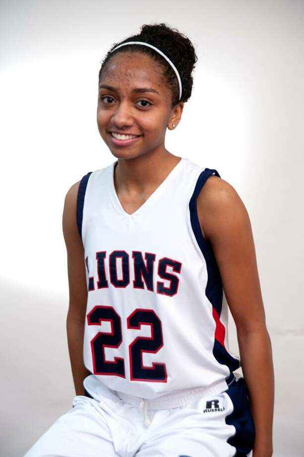 Teneya McLaughlin, Foran basketball, New Haven Register Athlete of the Week. (VM Williams/Register)