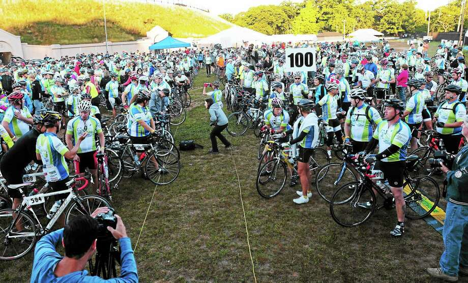 (Peter Hvizdak — Register)Over 800 bike riders participating in 3rd Annual Closer to Free Bike Ride wait to start either a 25, 62.5 or 100 mile route to benefit the Smilow Cancer Hospital at Yale-New Haven Saturday morning, September 7, 2013. Photo: New Haven Register / ©Peter Hvizdak /  New Haven Register