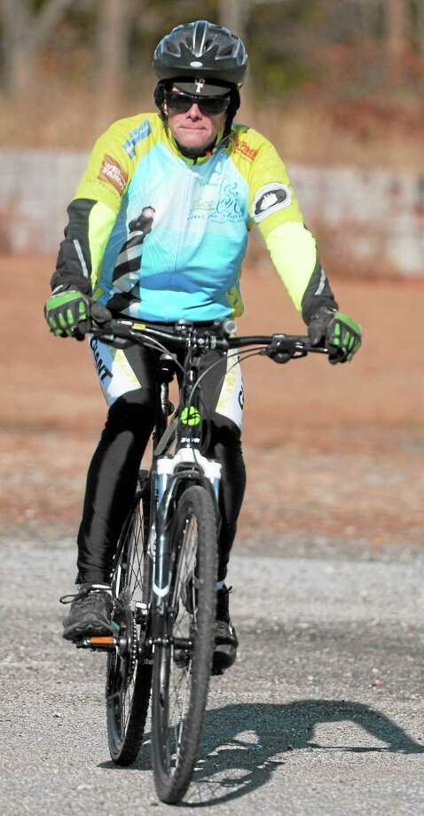 (Peter Hvizdak — New Haven Register)David Willet of Westbrook , who participated in the fundraiser VISTA Tour de Shore 60-mile  bike ride, on his bicycle Friday November 8, 2013. VISTA, in Westbrook, is an educational program for adults with neurological disabilities. Photo: New Haven Register / ©Peter Hvizdak /  New Haven Register