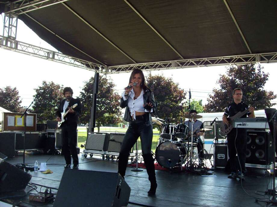 Photo Special to The Dispatch by Mike Jaquays Shania Twin performs at last year's ArcStock event in Wampsville. She will perform at the Event Center at Vernon Downs on Saturday at 7 p.m.