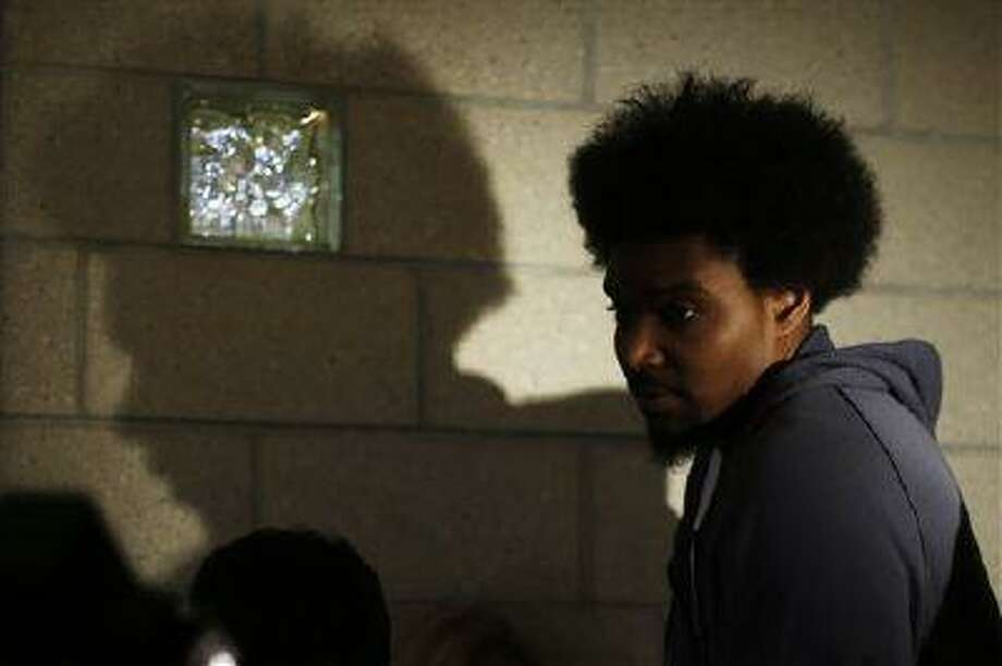 Philadelphia 76ers' Andrew Bynum walks away after speaking to members of the media at the team's NBA training facility, March 1, 2013, in Philadelphia. Photo: AP / AP