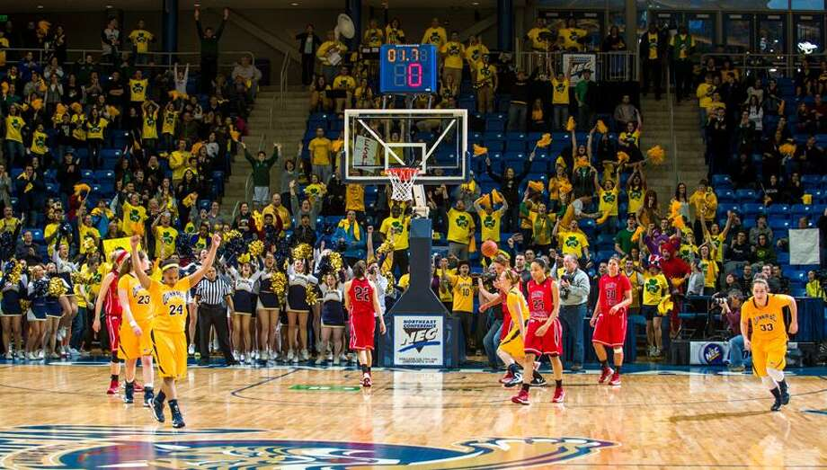 (Photo courtsey of Quinnipiac Athletics) / Copyright John Hassett 2013. All rights reserved