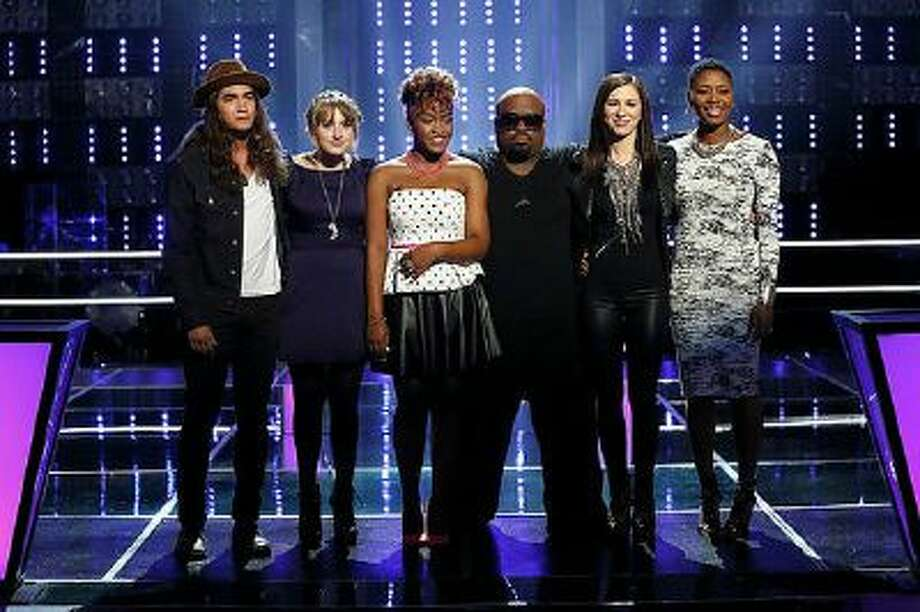 (l-r) Jonny Gray, Caroline Pennell, Amber Nicole, CeeLo Green, Kat Robichaud and Tamara Chauniece during 'The Voice' televised on Tuesday, Oct. 29, 2013.