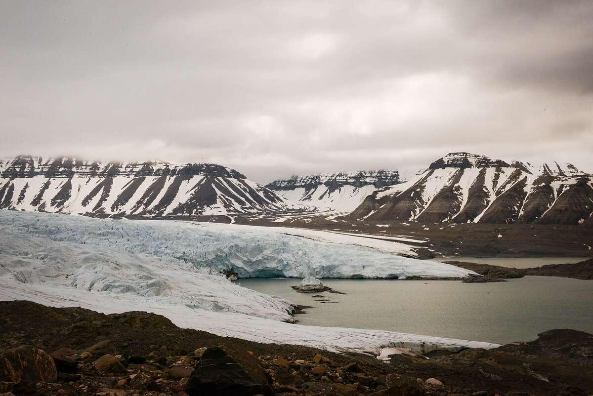 The Nordenski�ld Glacier sweeps up from Billefjorden in the southwest of Svalbard.