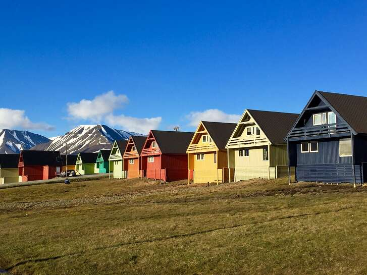 Within the Arctic Circle, Longyearbyen summers feature the Midnight Sun.