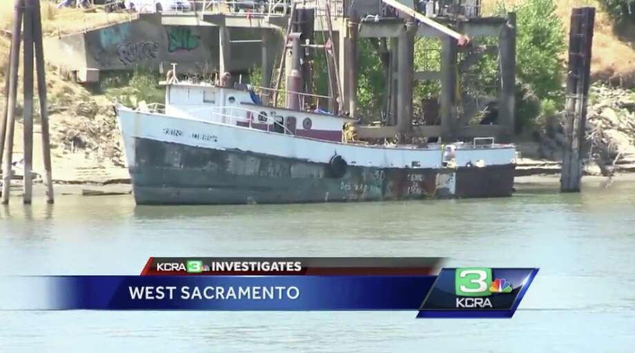 Abandoned Ship Breaks Loose Barrels Down Sacramento River Sfgate
