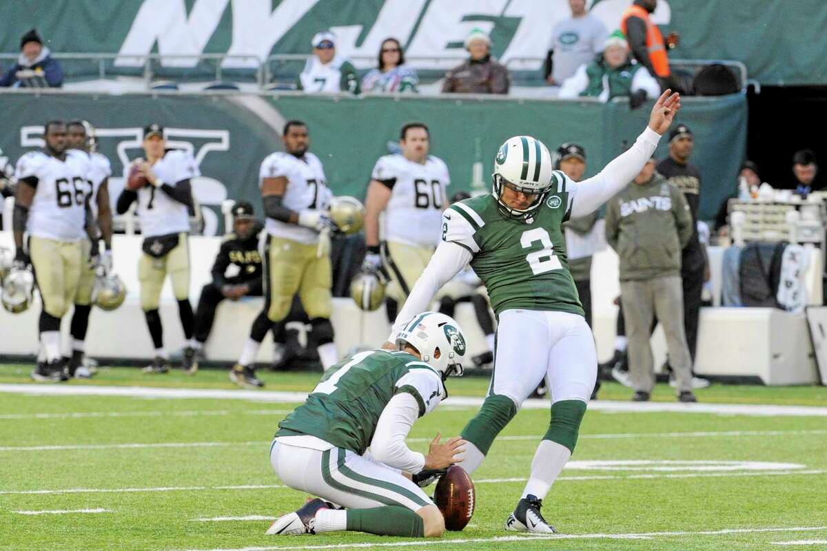 Jets kicker Nick Folk boots a field goal during the second half against the Saints on Sunday.