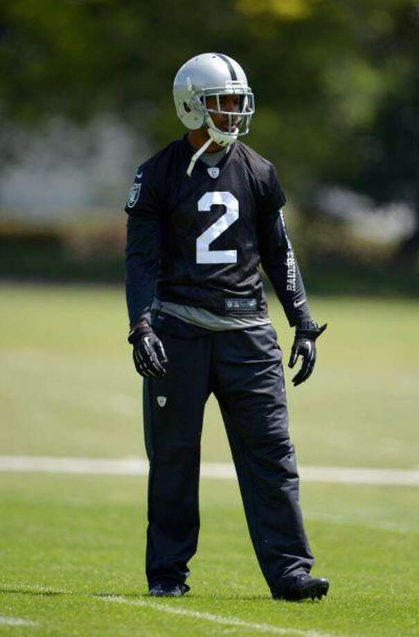 Oakland Raiders cornerback Charles Woodson (2) at minicamp at the Raiders Practice Facility. Photo: Kirby Lee-USA TODAY Sports / Kirby Lee