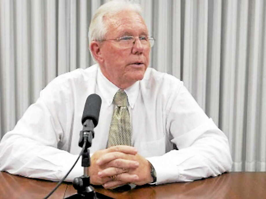 New Haven RegisterJack Stacey addresses editorial board meeting October 22. Photo: Journal Register Co.