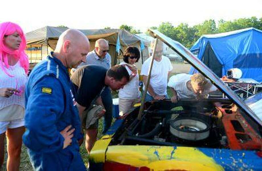 24 Hours of LeMons: An amateur car race and a party collide - New ...