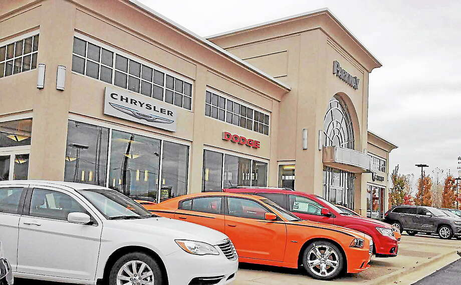 AUTO GAINS 1-110113POSAVETZ.jpegParkway Chrysler for A P story. JEFF PAYNEMacomb Daily / DAVID N. POSAVETZ Photo: Journal Register Co.