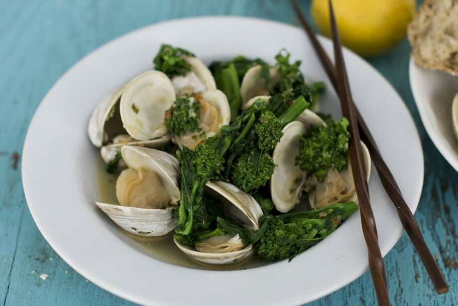 Matthew Mead/Associated Press photo: Steamed Clams Photo: AP / AP2013