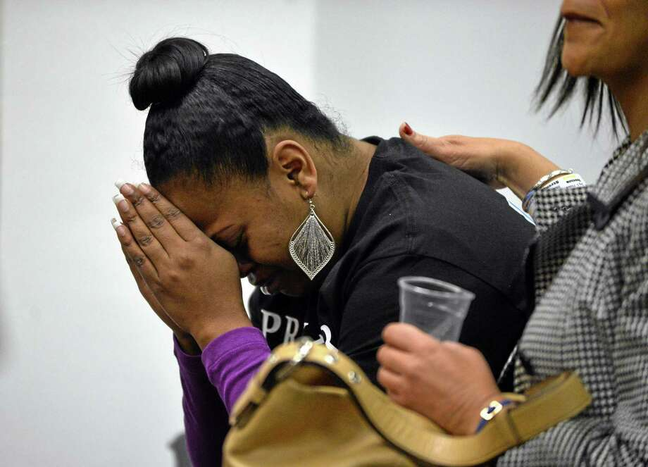 Nailah Winkfield, mother of Jahi McMath, attends a court hearing to discuss the treatment of her daughter in Oakland, Calif., on Monday, Dec. 23, 2013. McMath, 13, remains on a ventilator at Children's Hospital Oakland after suffering complications following a tonsillectomy surgery. (AP Photo/The Contra Costa Times, Kristopher Skinner) Photo: AP / The Contra Costa Times