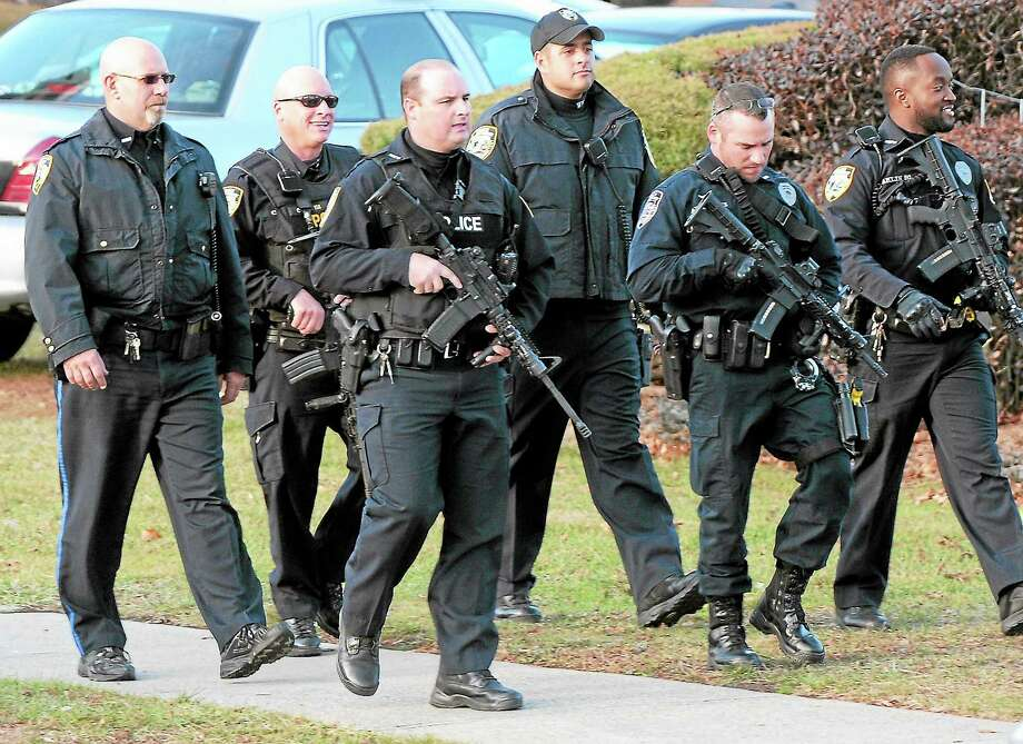University of New Haven lockdown Nov.3 in West Haven. Photo: Peter Hvizdak — New Haven Register   / ©Peter Hvizdak /  New Haven Register
