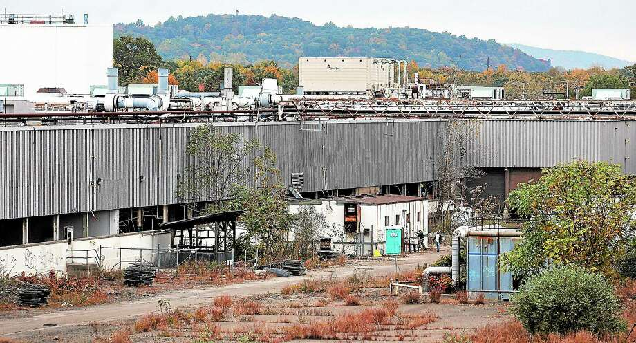 Peter Casolino — New Haven Register  The old Pratt and Whitney plant on Washington Avenue in North Haven is being decontructed to make way for a future industrial park. Photo: Journal Register Co.