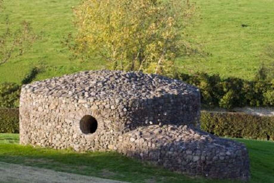 Rock shelter at the Irish passage tomb, New Grange which is over 5,000 years old at the Bru na Boinne in County Meath, Ireland. Photo: © Rich Reid Photography.com / © Rich Reid Photography.com
