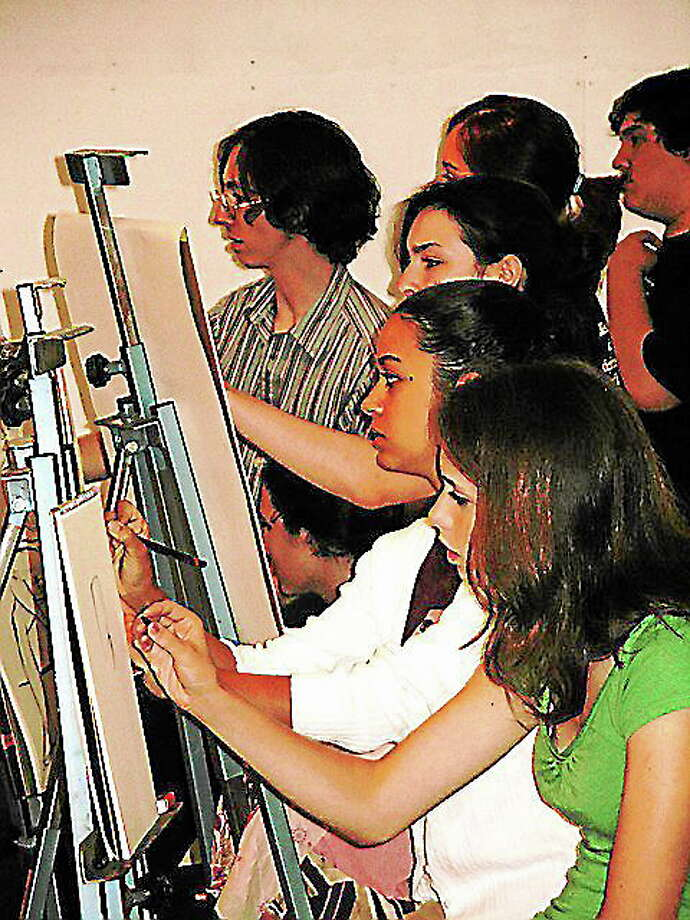 Students in a pre-college drawing class at Lyme Academy College of Fine Arts. Photo: Lyme Academy College Of Fine Arts