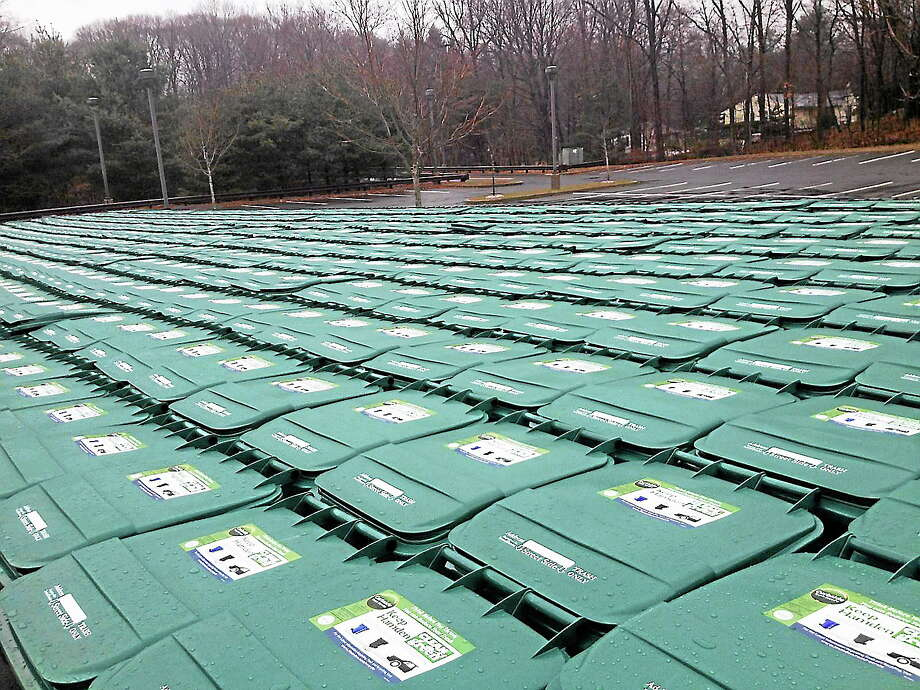 New collection bins will have instructions on the lid. Photo: Ebony Walmsley — New Haven Register