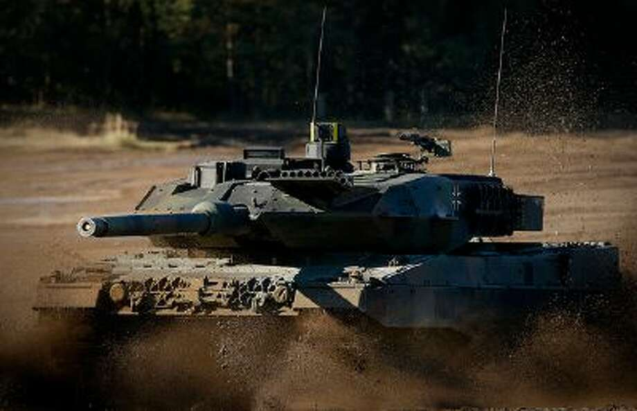 A Leopard 2 A6 combat tank is seen during the annual military exercises held for the media at the Bergen military training grounds on October 2, 2013 near Munster, Germany. (Photo by Philipp Guelland/Getty Images) / 2013 Getty Images