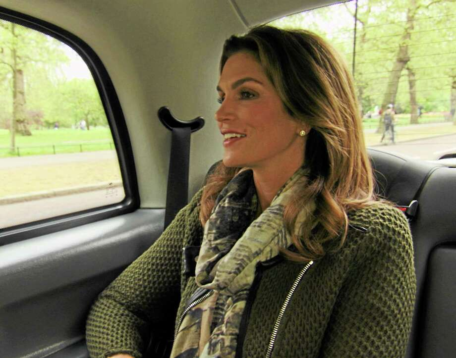 "Cindy Crawford follows her search to London in TLC's ""Who Do You Think You Are?"" Photo: TLC / Discovery Communications"