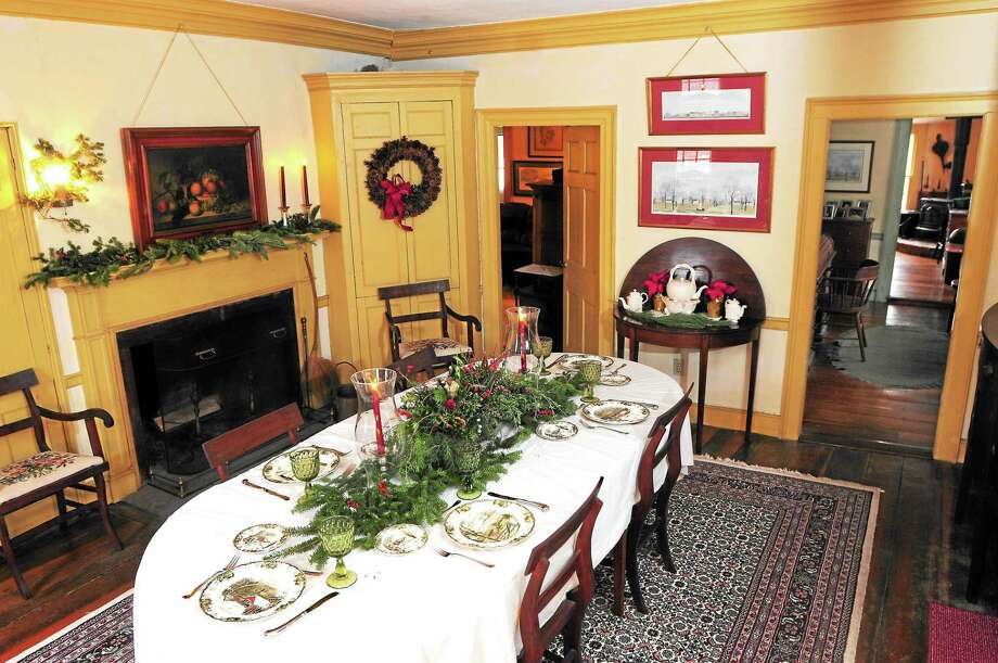 (Peter Hvizdak ó New Haven Register)  The dining room at  64 Fair Street in Guilford, a house on the Historic House Tour by the First Congregational Church of Guilford December 6, 2013. Photo: New Haven Register / ©Peter Hvizdak /  New Haven Register