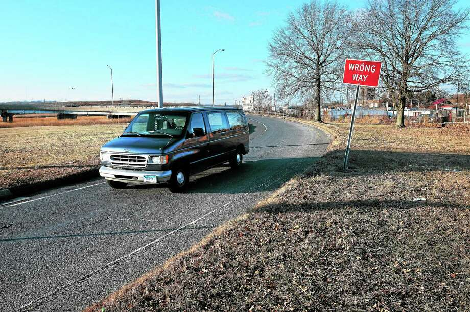 The southbound I-95 Exit 44 off-ramp is seen Friday. Photo: Arnold Gold — New Haven Register