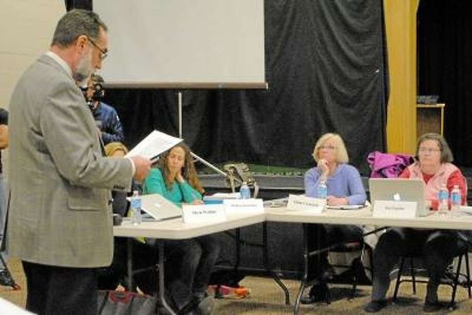 Dattco COO Cliff Gibson talks to the New Hartford Board of Education. Jessica Glenza/Register Citizen